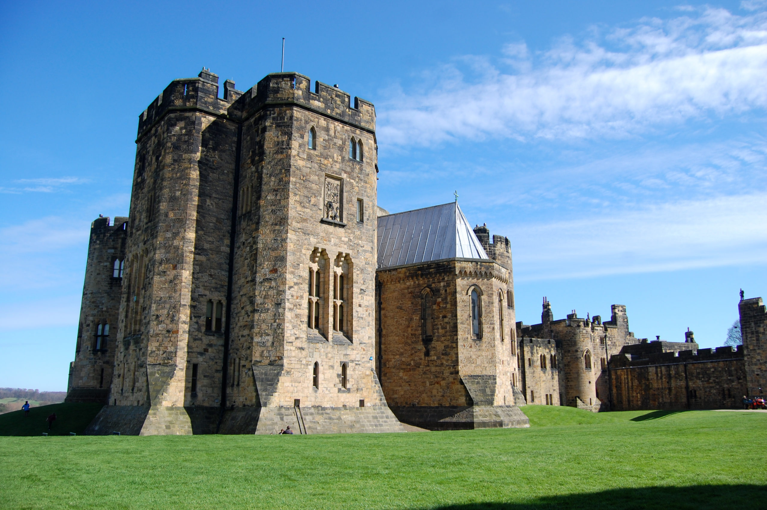 Alnwick Castle | The Real Hogwarts In Northumberland